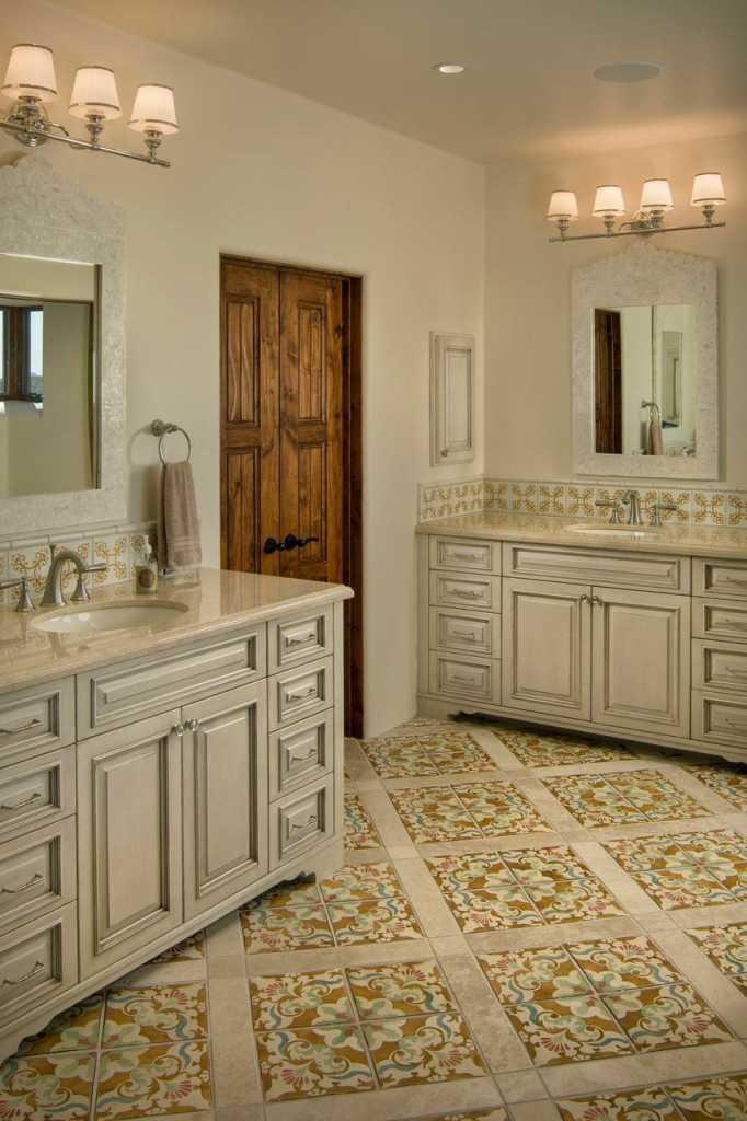 Desert Mountain - Traditional - Bathroom
