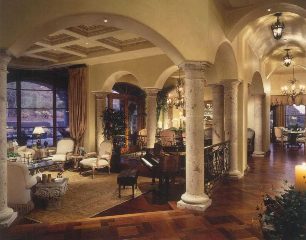 North Scottsdale - Living Room - Traditional